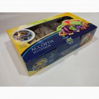 Компания-изготовитель реализует сухофрукты в упаковке Ассорти из орехов